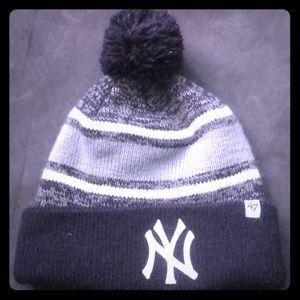 New York Yankees 47 brand beanie
